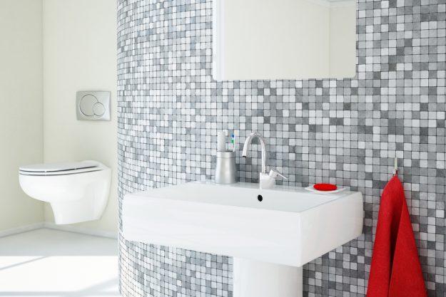 czy-warto-zakladac-mozaikę-w-łazience-co-ważne