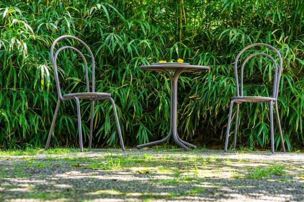 metalowy komplet ogrodowy
