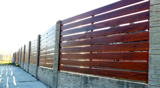 ogrodzenia betonowo-drewniane
